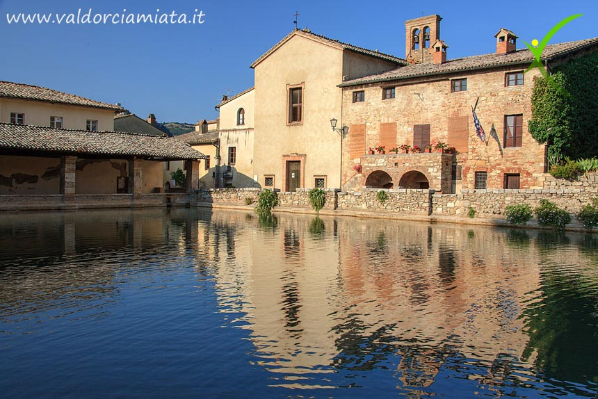 Visit Bagno Vignoni, thermal water and archeology | Valdorciamiata.it