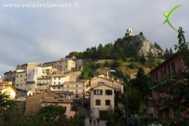 Visit Campiglia d'Orcia, one step from Via Francigena