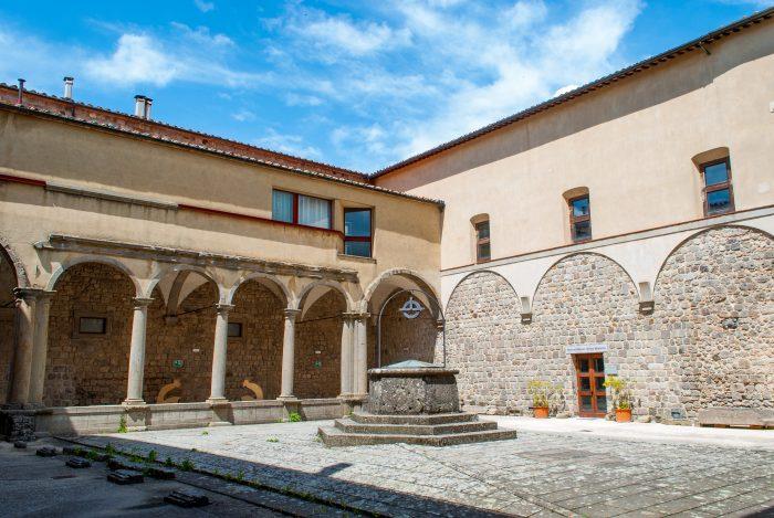 Abbazia San Salvatore - chiostro